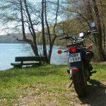 Wzdłuż jeziora Kamieniczno
